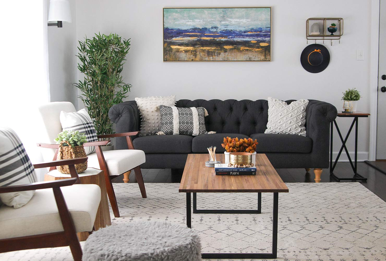 How To Decorate A Tiny Living Room